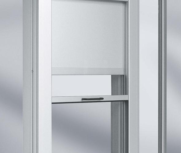 Emelő ajtó rendszer